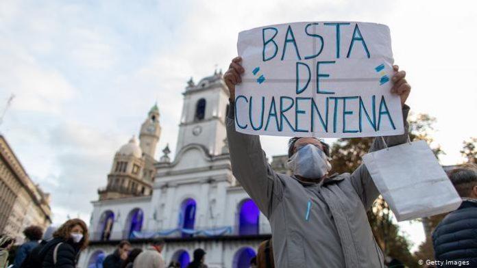 Argentinos protestan